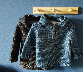 957e1099b34f Ravelry  Seamless Baby Hooded Pullover pattern by Maggie van Buiten