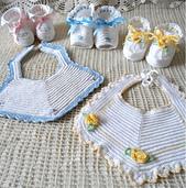 Crochet-baby-bib-pattern-group-800_small_best_fit
