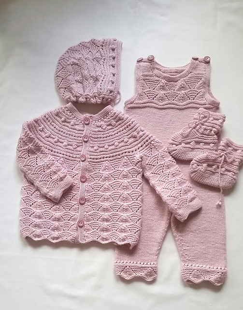 Ravelry Dale Of Norway Dalegarn 226 Baby Hentesett Patterns