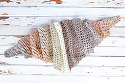 Caron-cakes-crochet-pattern-free-triangle-scarf-13_small_best_fit