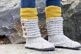 3ab154fc93a Ravelry  Cabin Boots with Flip Flop Soles pattern by Jess Coppom