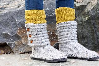 32e62f3da42e98 Ravelry  Cabin Boots with Flip Flop Soles pattern by Jess Coppom