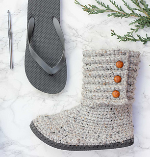 c306df24048f Ravelry  Cabin Boots with Flip Flop Soles pattern by Jess Coppom