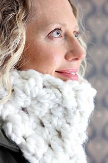 Chunky-cowl-free-crochet-pattern-3_small2