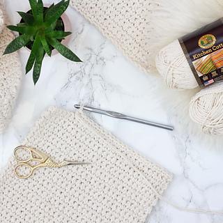Crochet-mud-cloth-pillow-sq_small2