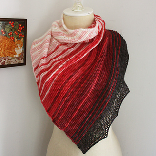Offred_shawl_2a_small2