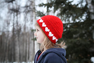Crochet_heart_hat_small2