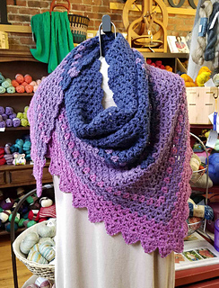 Vivianne_shawl-andee_graves-m2h_designs_a2_small2