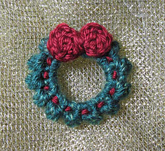 Wreath-on-gold_small