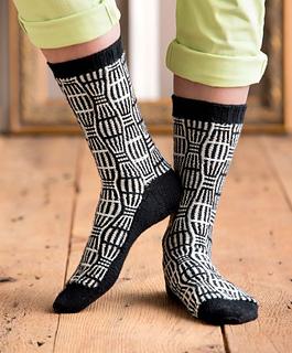 Op-art_socks_-_feny_beauty_shot_small2