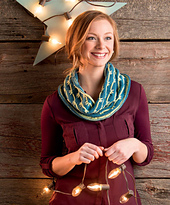 3_skeins_or_less_-_spraying_waves_cowl_beauty_shot_small_best_fit