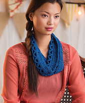 Quick_crochet_accessories__3_skeins_or_less__-_enmeshed_cowl_beauty_image_small_best_fit