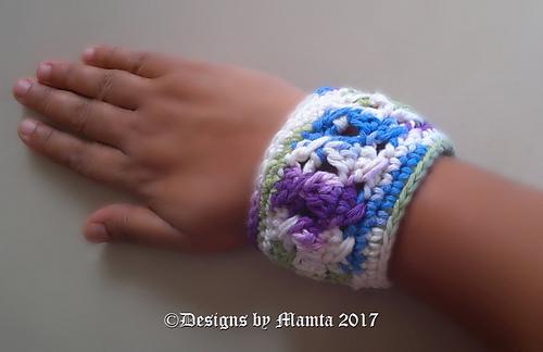 Ravelry Chunky Textured Cuff Bracelet Pattern By Mamta Motiyani