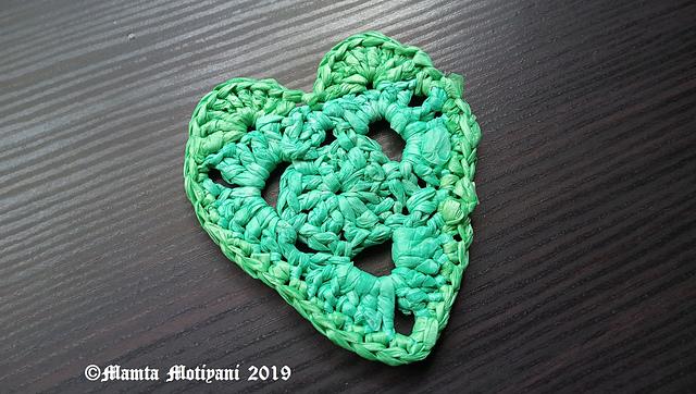 Ravelry plarn heart applique pattern by mamta motiyani