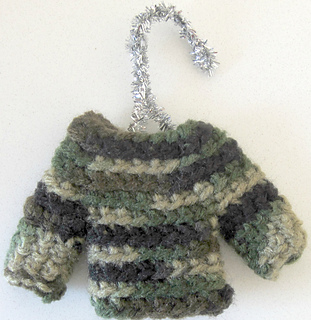 Camo_mini_sweater_small2