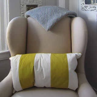 Tadley_blanket_triangle_on_chair_white_edit_small2