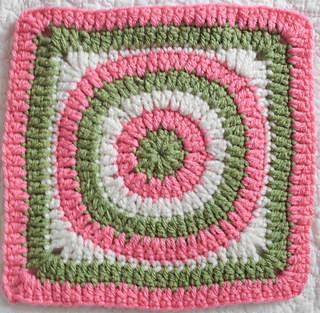 Concentric_circles_granny_square_free_crochet_pattern_by_underground_crafter_1_small2