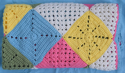 Classic_granny_with_a_twist_blanket_free_crochet_pattern_by_underground_crafter_4_medium