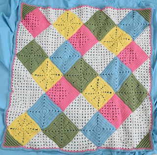 Classic_granny_with_a_twist_blanket_free_crochet_pattern_by_underground_crafter_1_small2