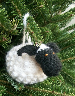 Chubby_sheep_ornament_on_tree_side_view_2_small2