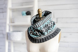 Modern_colorwork_cowl_mucklestone_small_best_fit