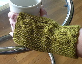 208nk_cabledfingerlessgloves_kcn_small2