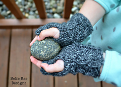 Cable_banded_fingerless_gloves_pic_5_small