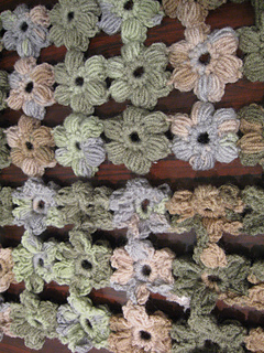 Brown___green_puff_flower_scarf_4_small2
