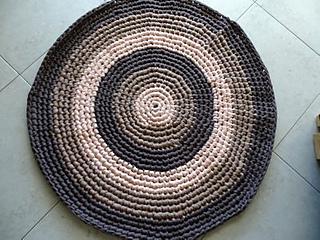 Ravelry T Shirt Yarn Round Rug Pattern By Meladoras Creations