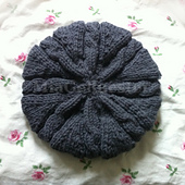 Grey_beret_1_small_best_fit