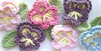 Easy-crochet-pansy-free-pattern_small_best_fit