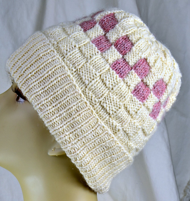 Ravelry: Checkerboard Slouch Hat pattern by Sara Setters