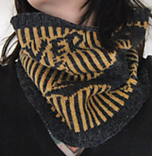 The_nevermore_cowl_005_small2