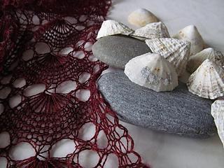 Saint_ninians_shawl_stone_shell_small2