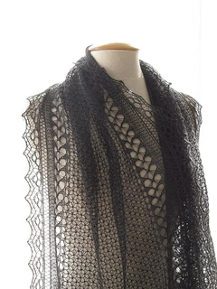 Love_on_the_edge_shawl_small2