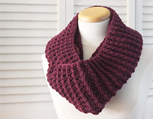 Knitting_pattern_infinity_puffy_scarf_3_small_best_fit
