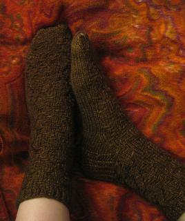 Woven-diamond-socks_small2