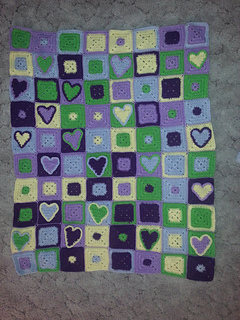 Happy_hearts_afghan_small2