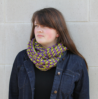 Ms_ellaneous_a1_bramble_cowl-twisted_small2