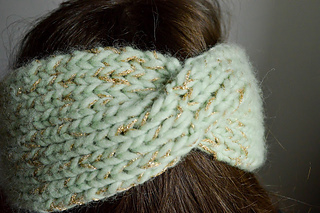ravelry headband torsade pattern by my name is georges. Black Bedroom Furniture Sets. Home Design Ideas
