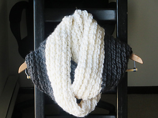 Ravelry Addison Chunky Infinity Scarf Or Cowl Pattern By