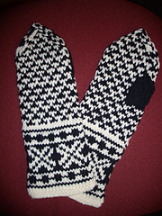 02-2011_latvian_mittens_1_small