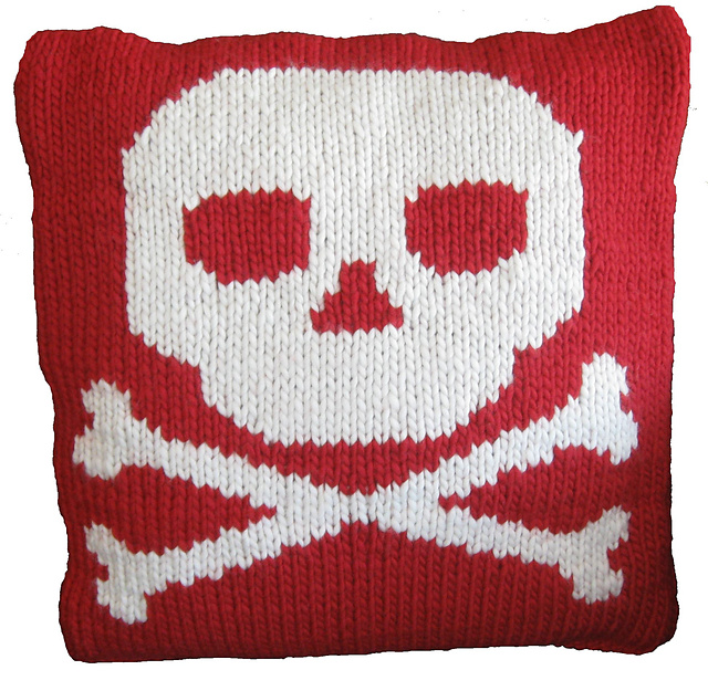 Ravelry Skull And Crossbones Cushion Cover Pattern By Clare Doornbos