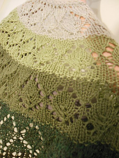 Cascade_and_palette_shawls_2015_019_small2