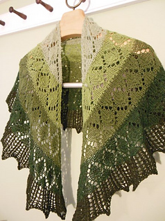 Cascade_and_palette_shawls_2015_020_small2