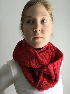 Betsys_cowl_on_small2