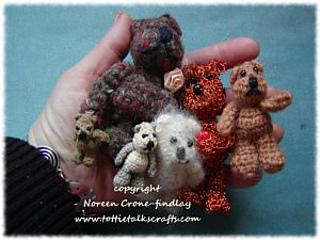 Handful-of-crocheted-comfort-bears_small2