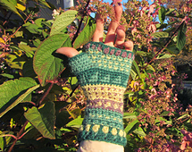 Colorwork_mitts_02_small_best_fit