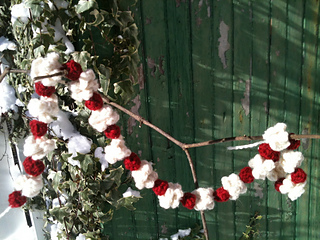 Ravelry Popcorn Cranberry Garland Pattern By Wee Sandy
