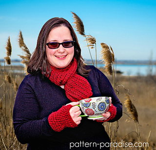 Free_crochet_pattern_simple_scarf_and_gloves_set_by_pattern-paradise